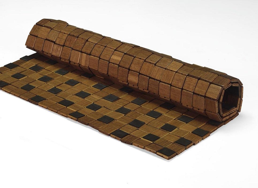 Бамбуковый коврик в ванной комнате