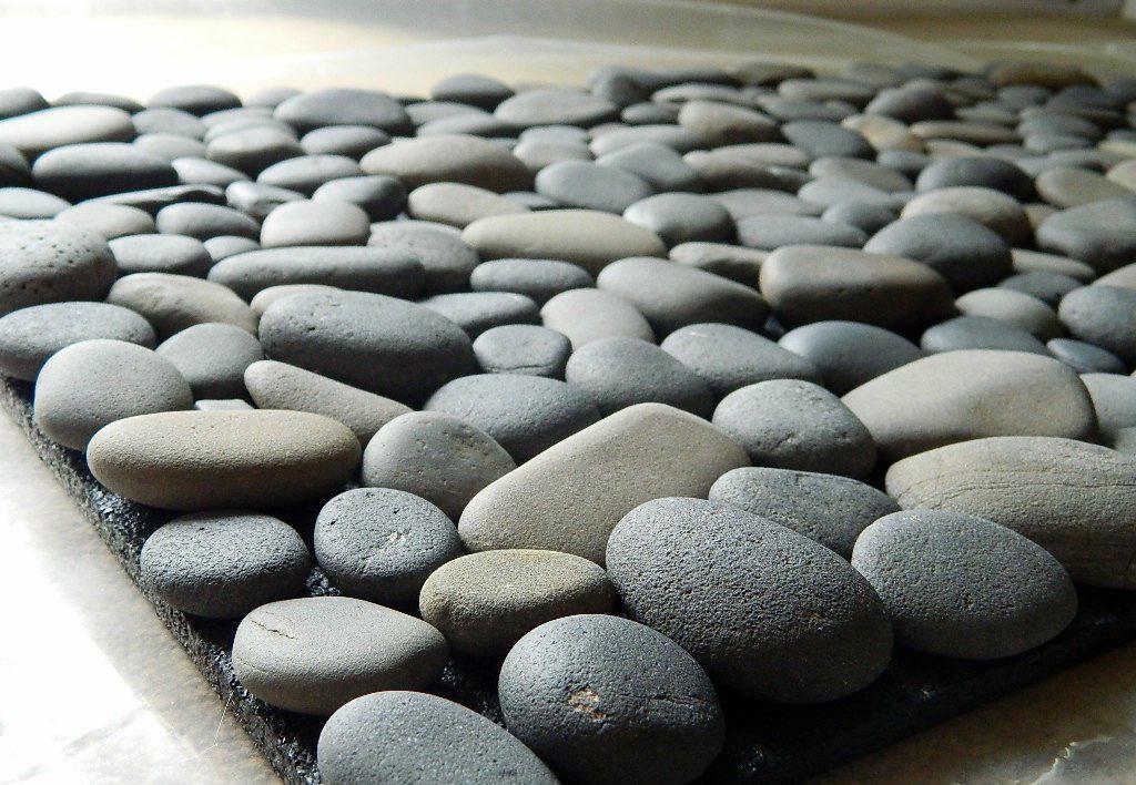 Каменный коврик для ванной комнаты