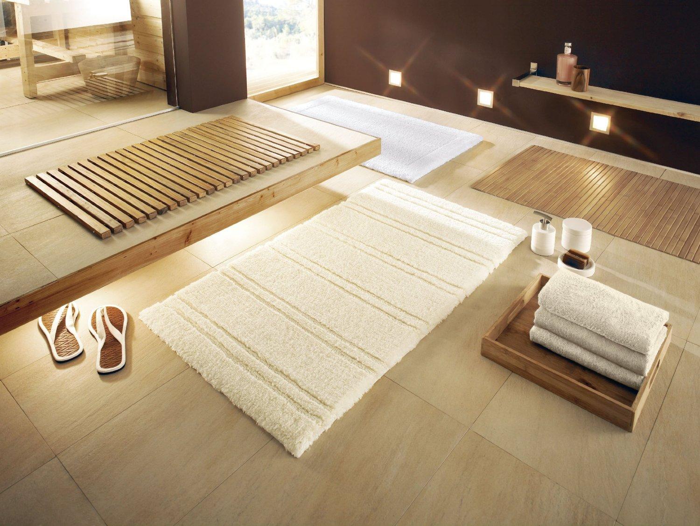 Белые коврики для ванной