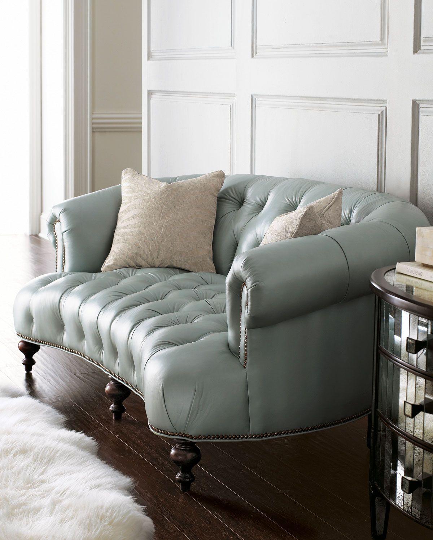 Серо-голубой кожаный диван
