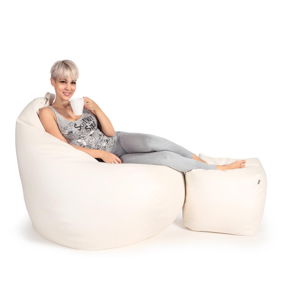 Белое кресло-мешок с пуфиком