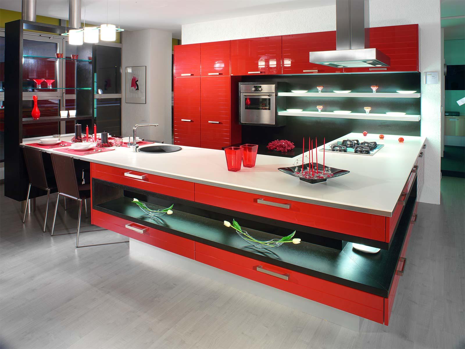Черный, белый и красный цвета в интерьере кухни