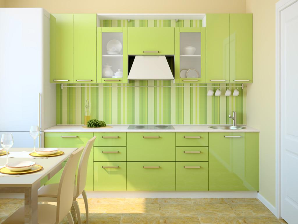 Зеленый фасад гарнитура на кухне
