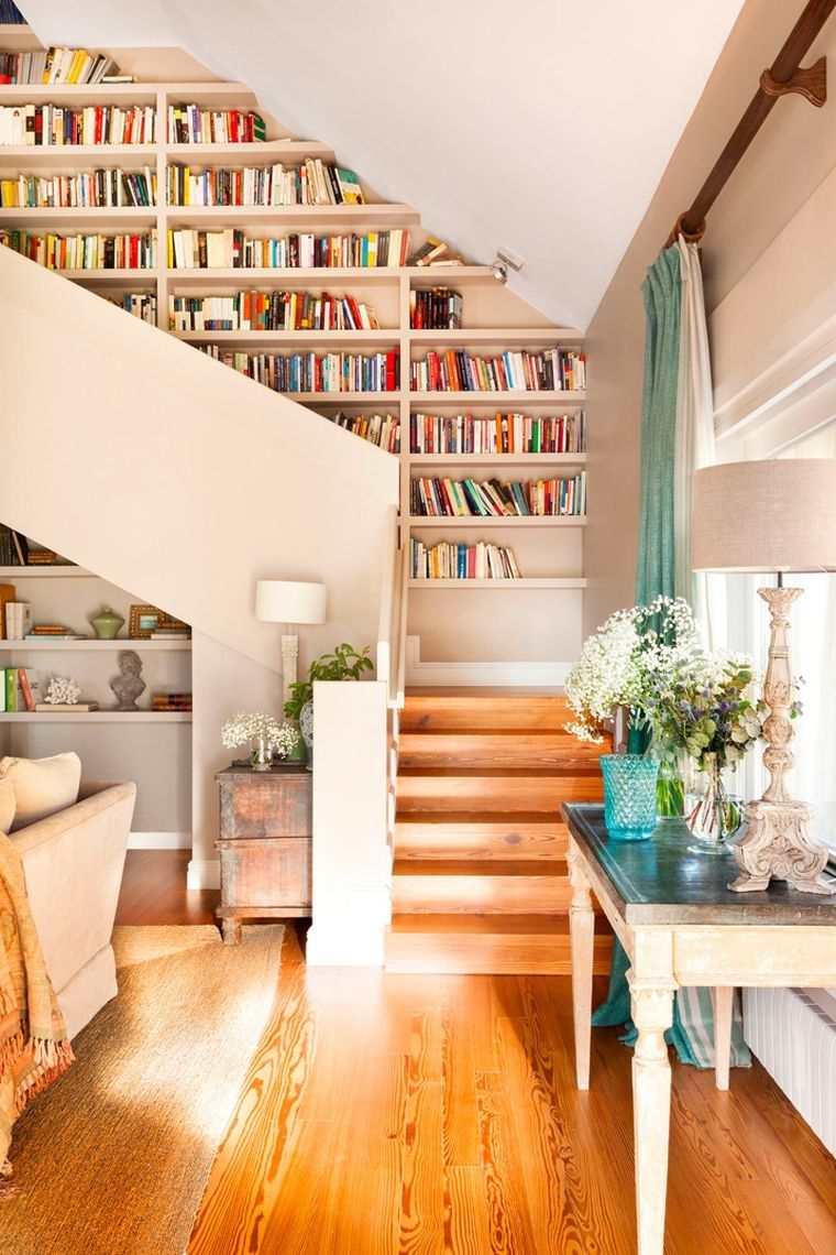 Стеллаж для гостиной у лестницы