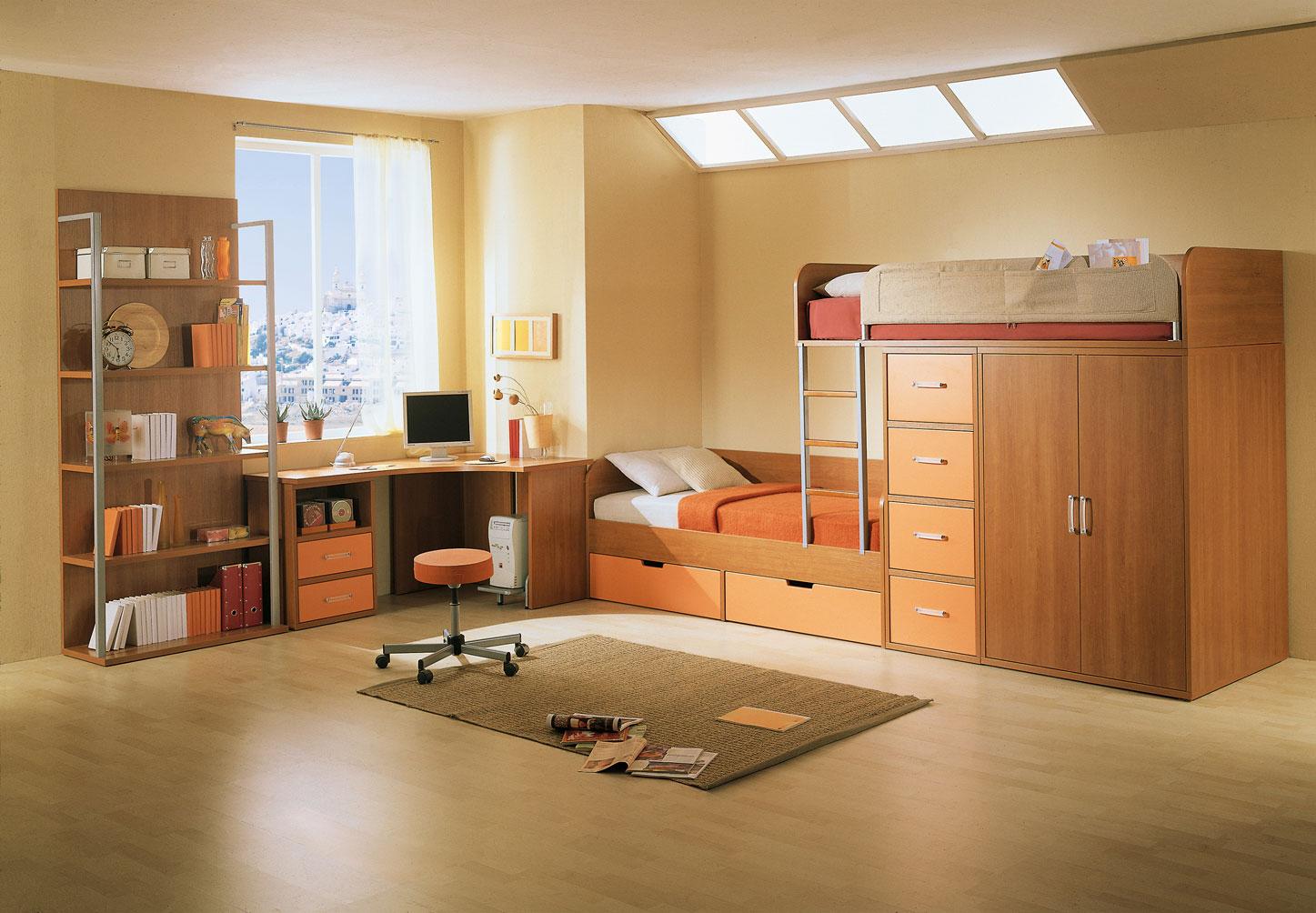 Коричневая мебель для детской комнаты двух мальчиков