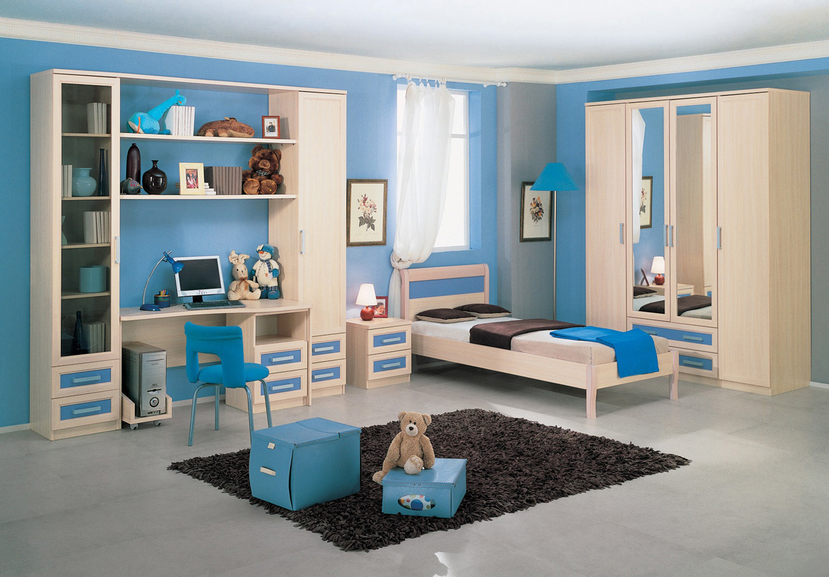 Бежево-синяя мебель в детской комнате