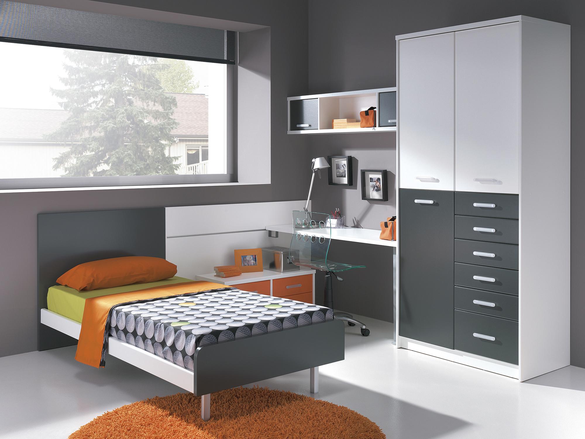 Серо-белая мебель для комнаты мальчика-подростка