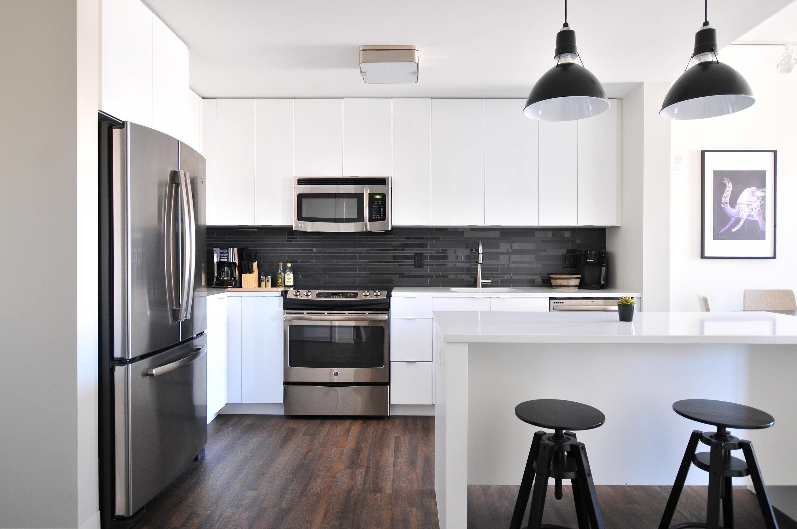 Дизайн кухни 20 кв м в стиле минимализм
