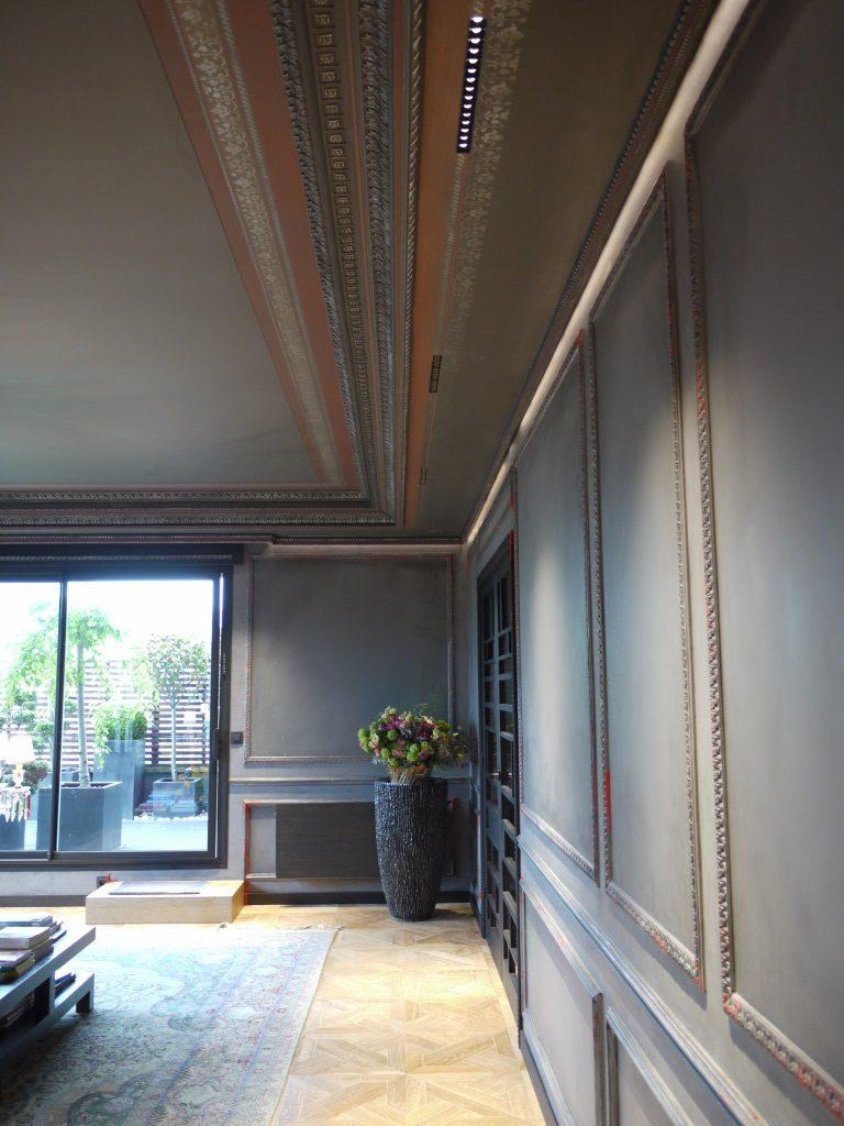 Плинтус на потолок многоуровневый