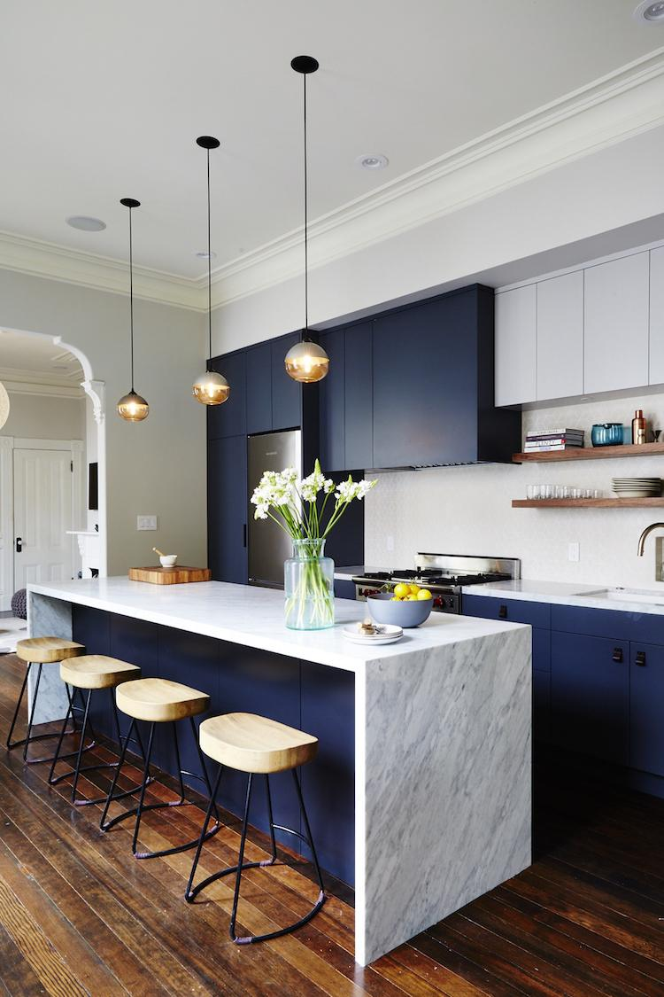 Дизайн кухни 20 кв м с мрамором