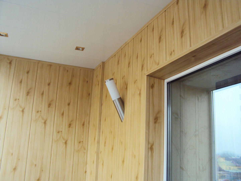 Вагонка МДФ в отделке балкона