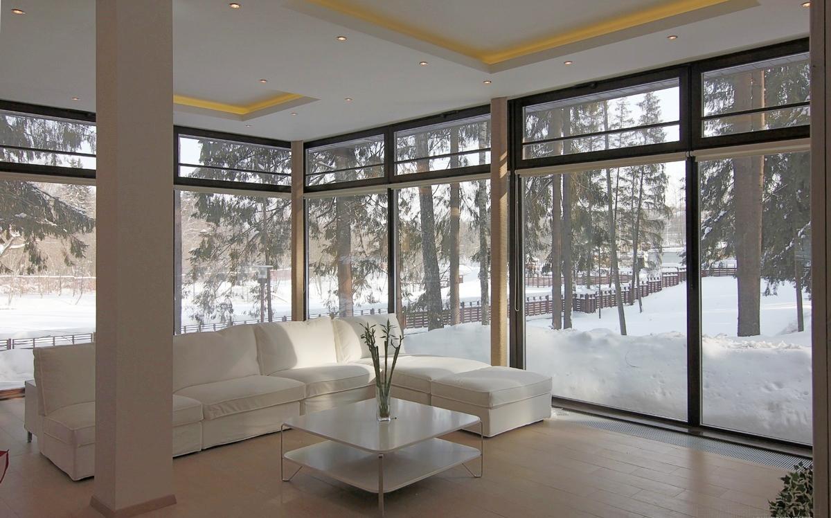 Остекление коттеджа панорамными окнами