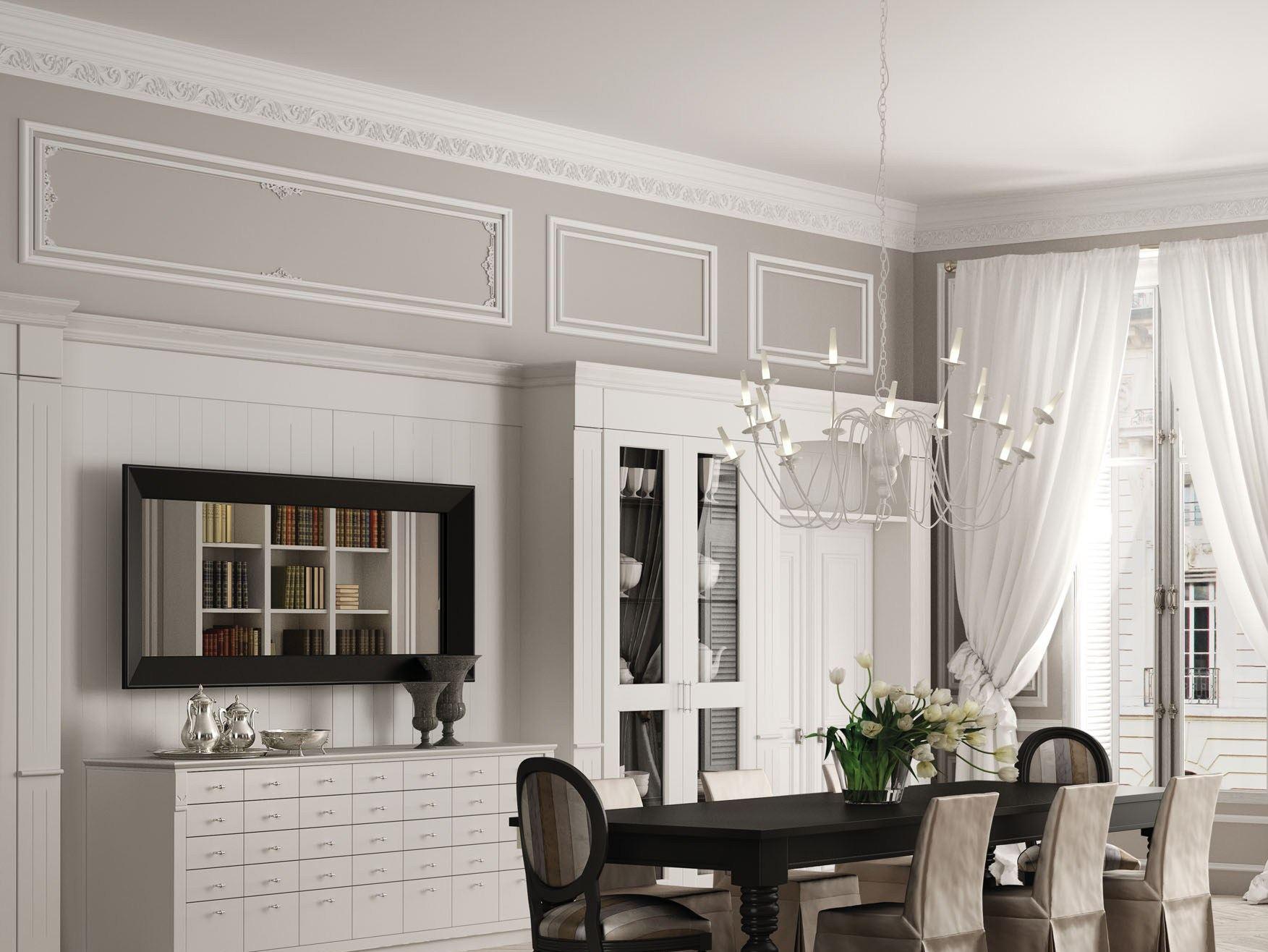 Белые плинтуса на потолке в бело-сером интерьере