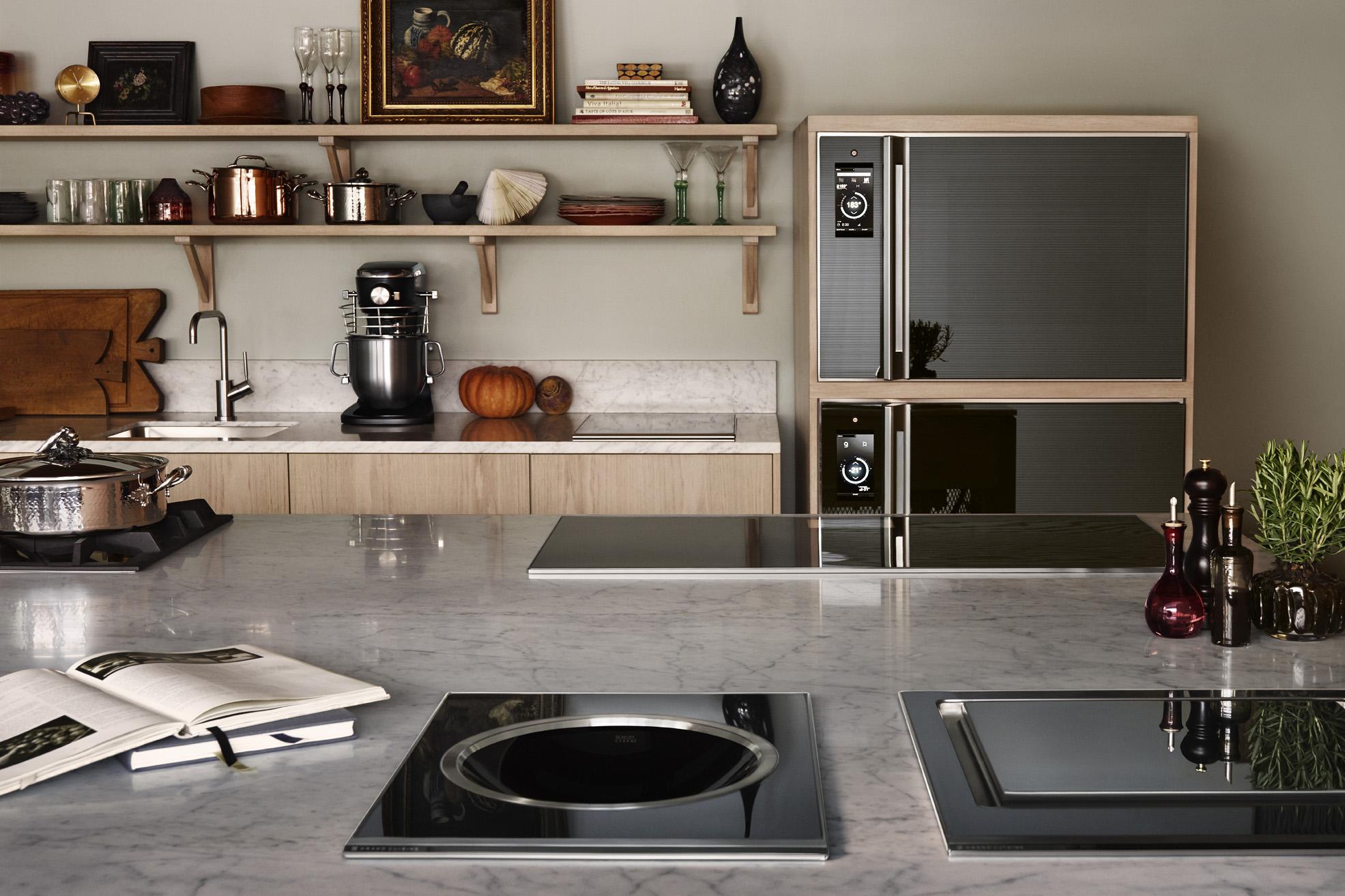 Дизайн кухни 20 кв м с полками