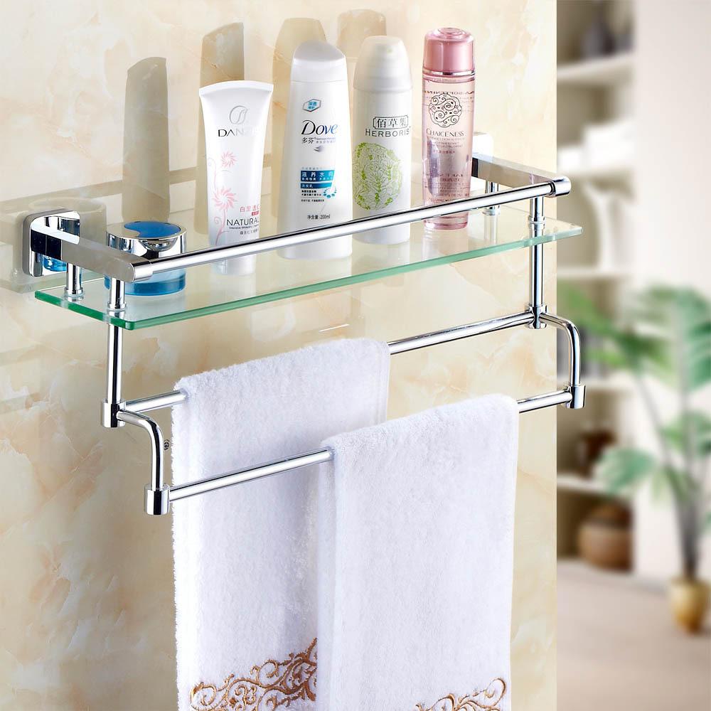 Красивая стеклянная полка в ванной