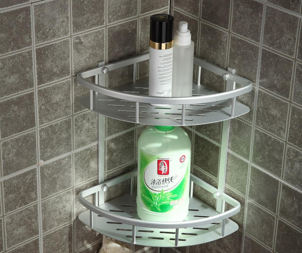 Угловая металлическая полка в ванной