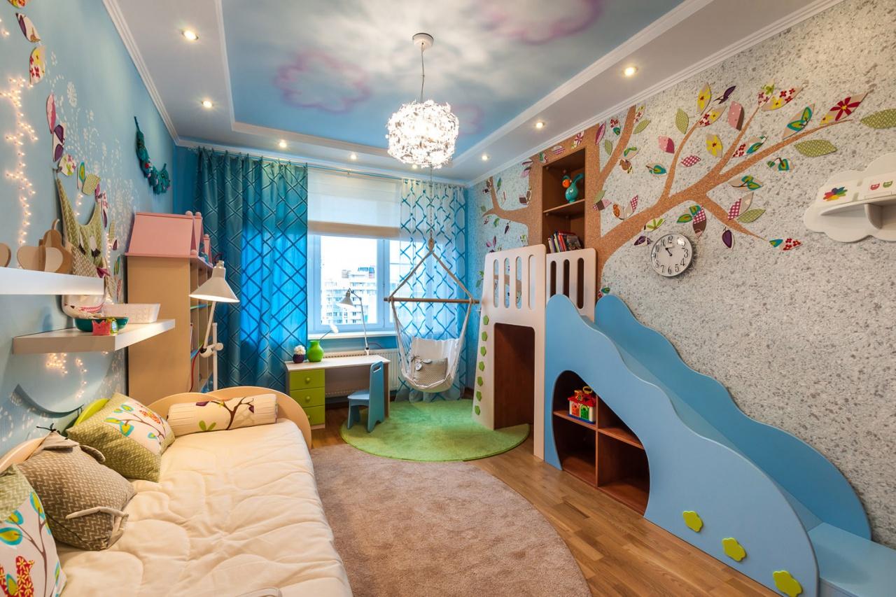 Двухуровневый красивый потолок в детской