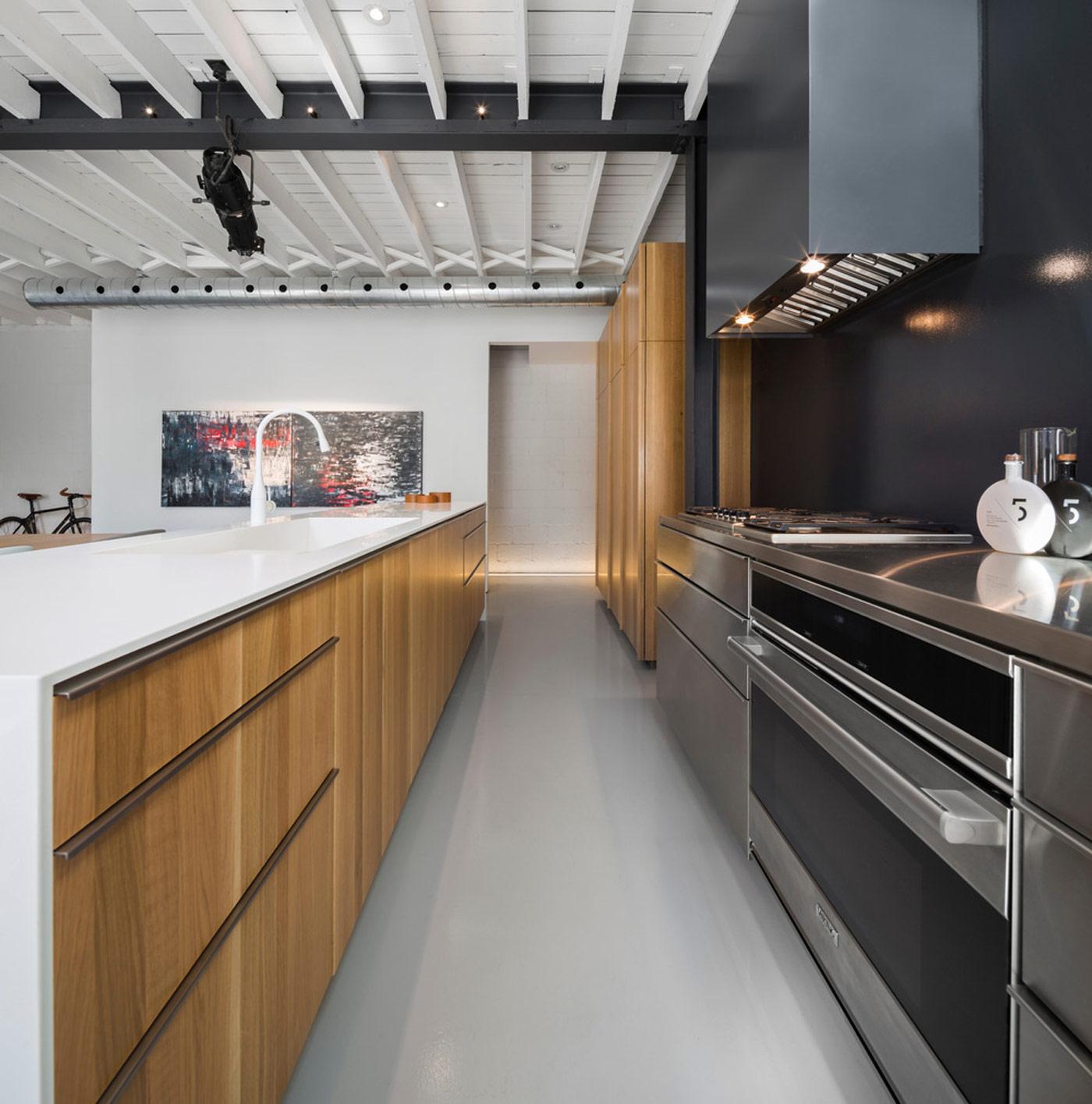 Дизайн кухни 20 кв м прямой