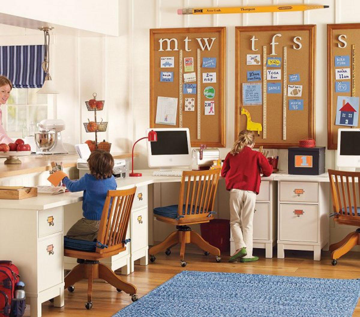 Рабочее место для школьника в доме