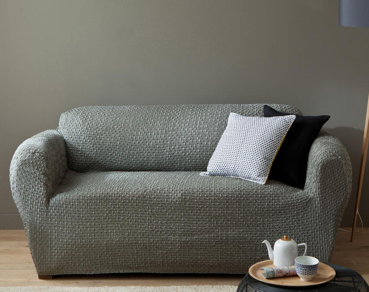 Серый чехол на диван