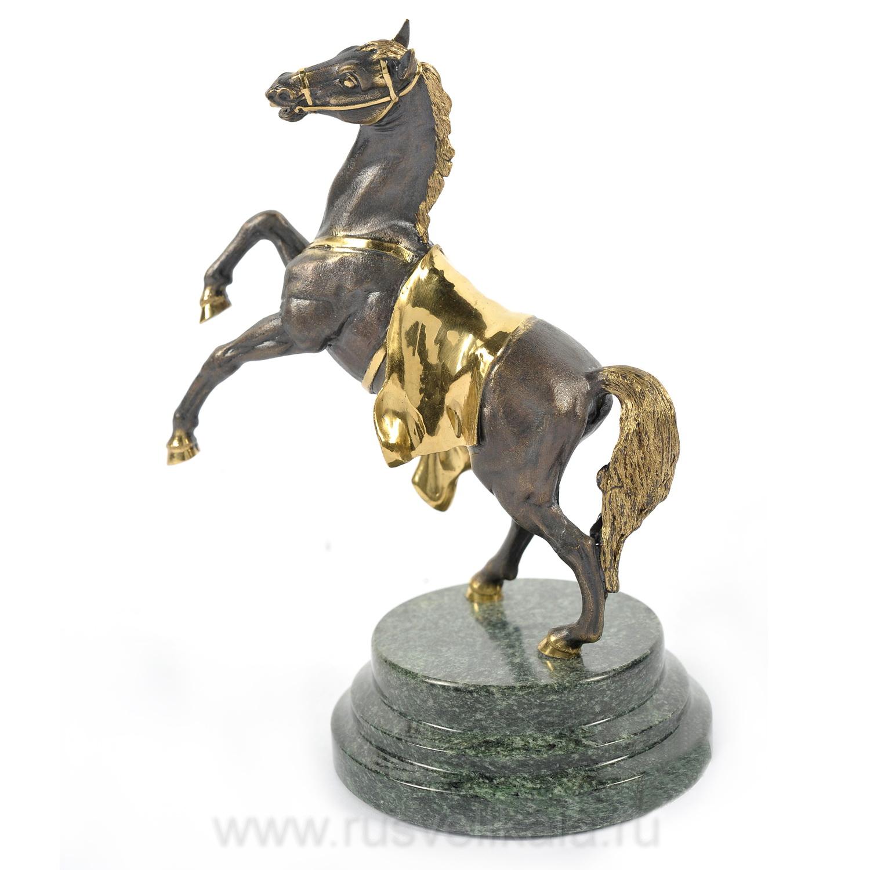 Статуэтка конь для украшения интерьера