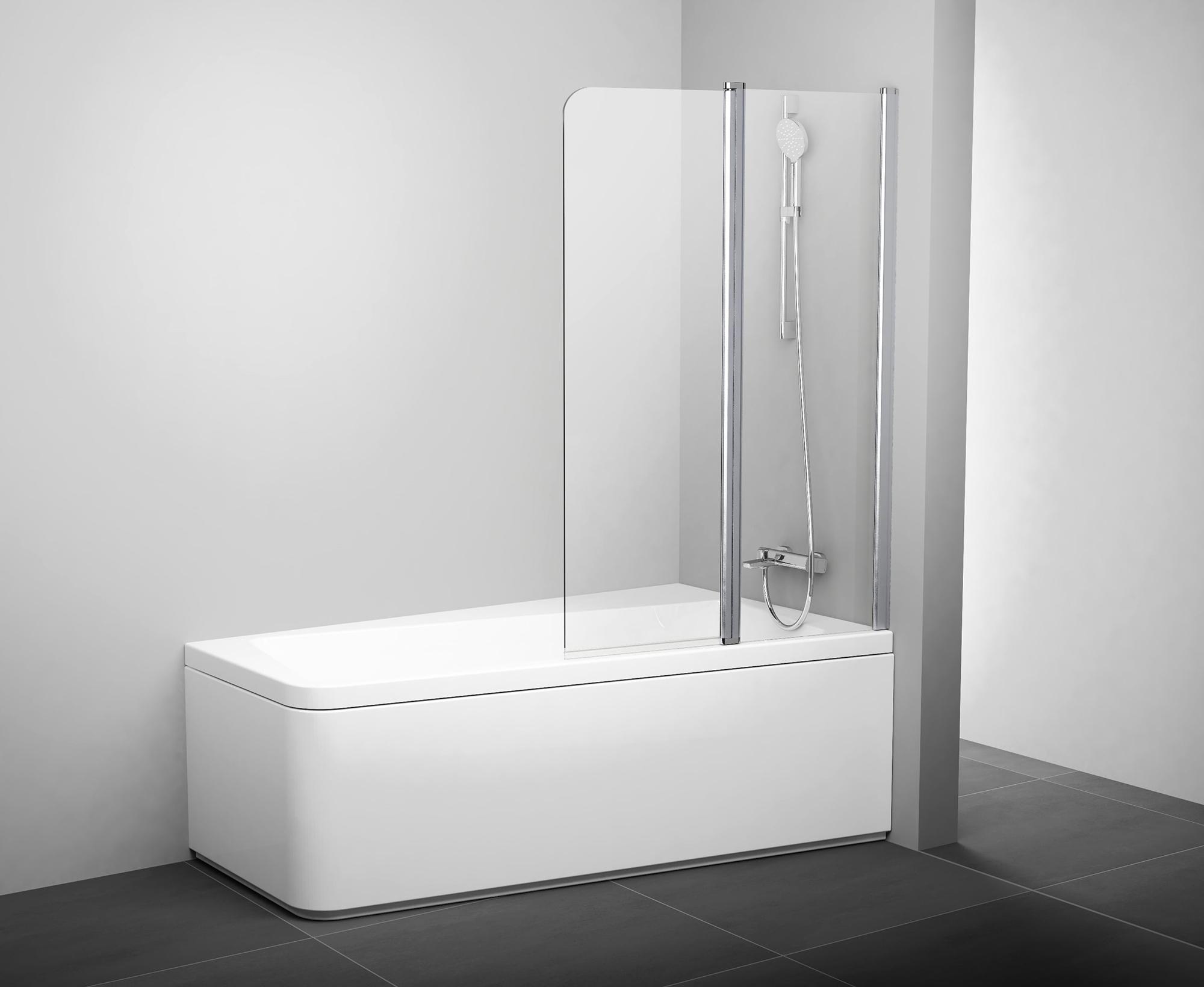 Стеклянная шторка в ванной с черным полом и белыми стенами