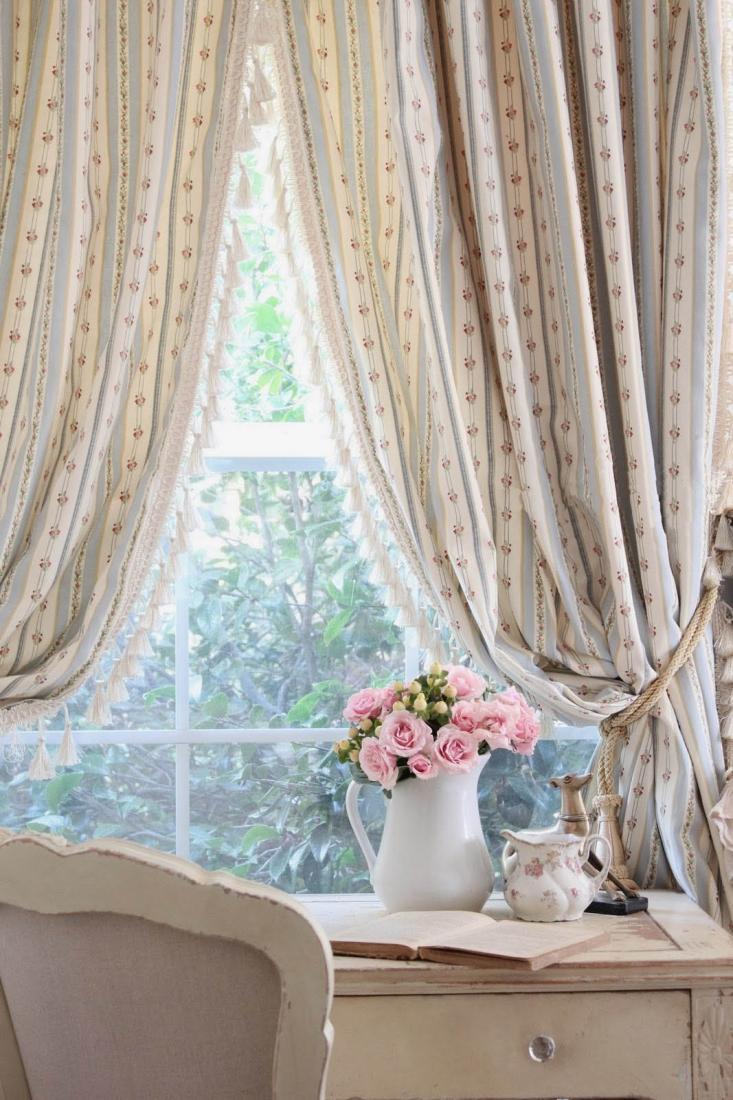 Полосатые шторы в стиле шебби-шик