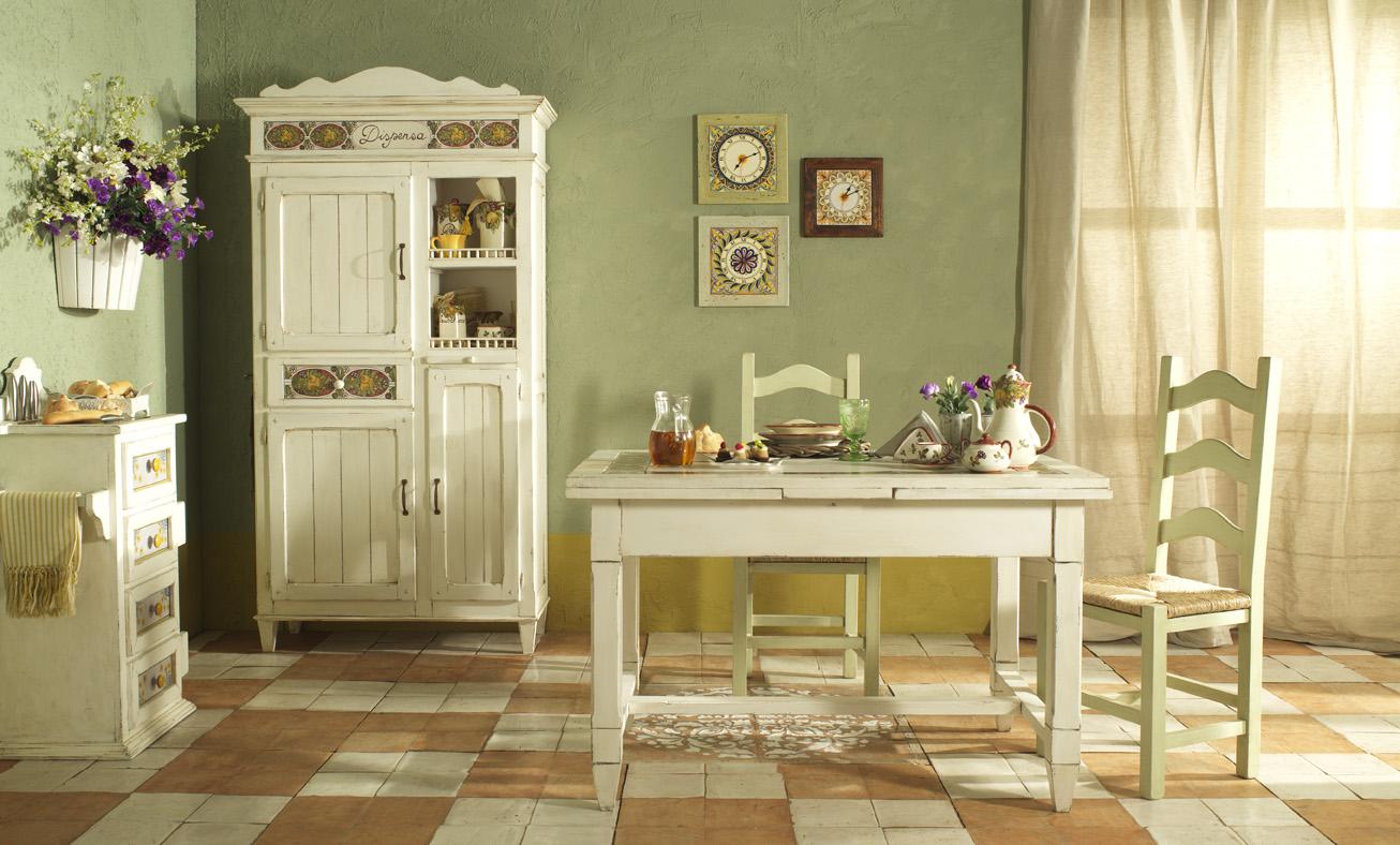 Простые льняные шторы на кухне в стиле прованс
