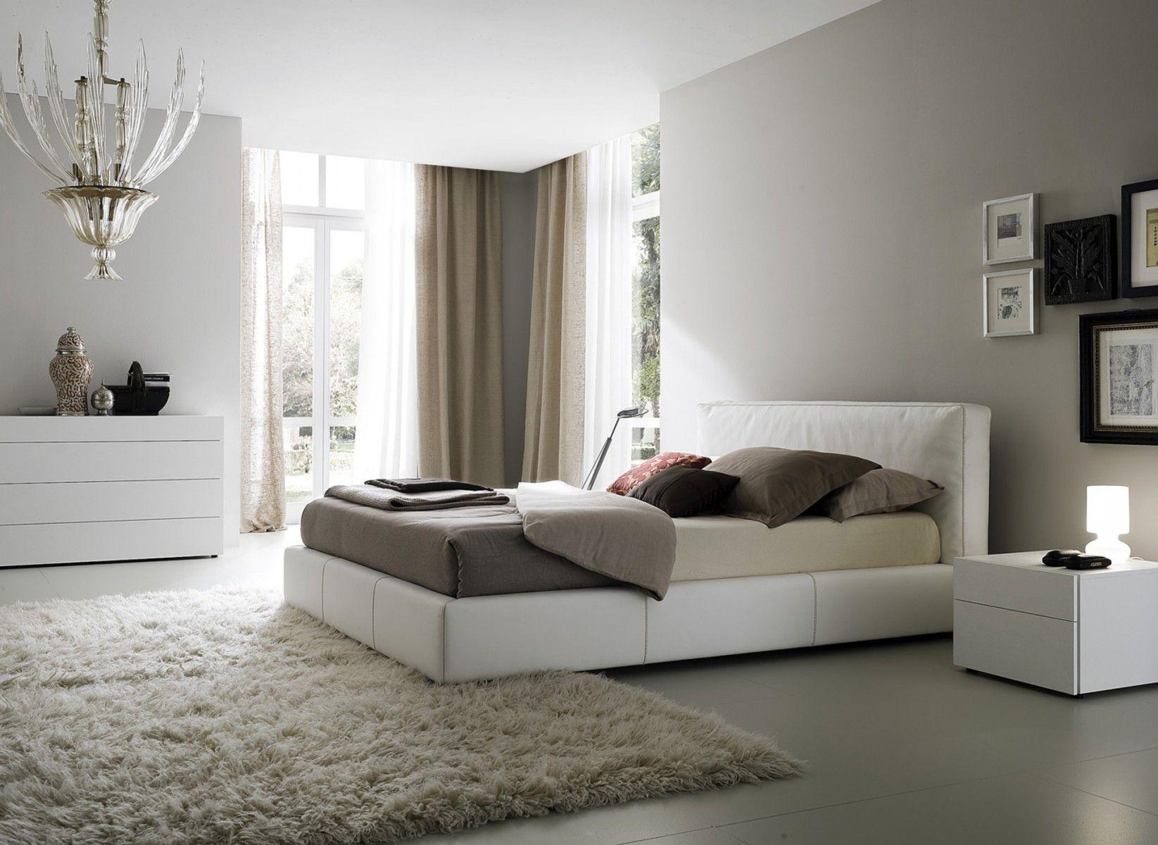 Коричнево-белые шторы в стиле модерн в спальне