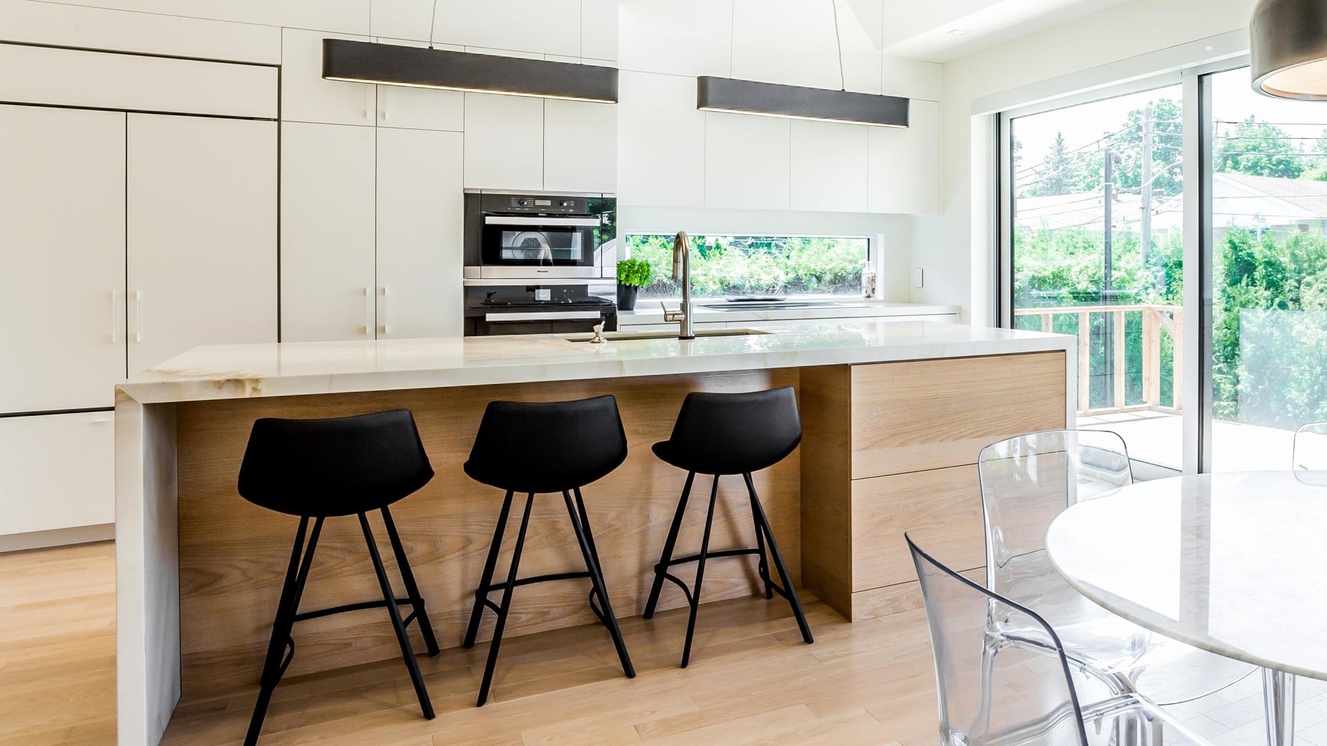 Дизайн кухни 20 кв м с барной стойкой