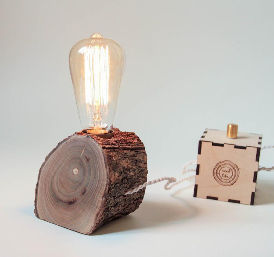 Настольная лампа из среза дерева
