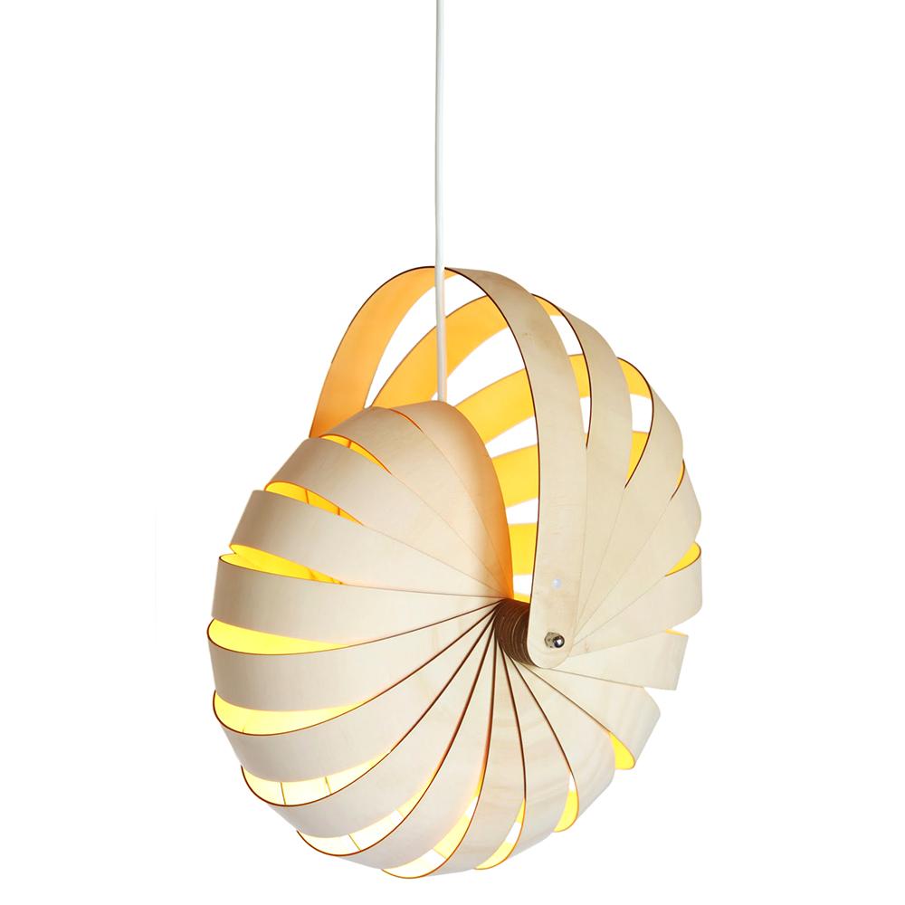 Оригинальная подвесная лампа из дерева