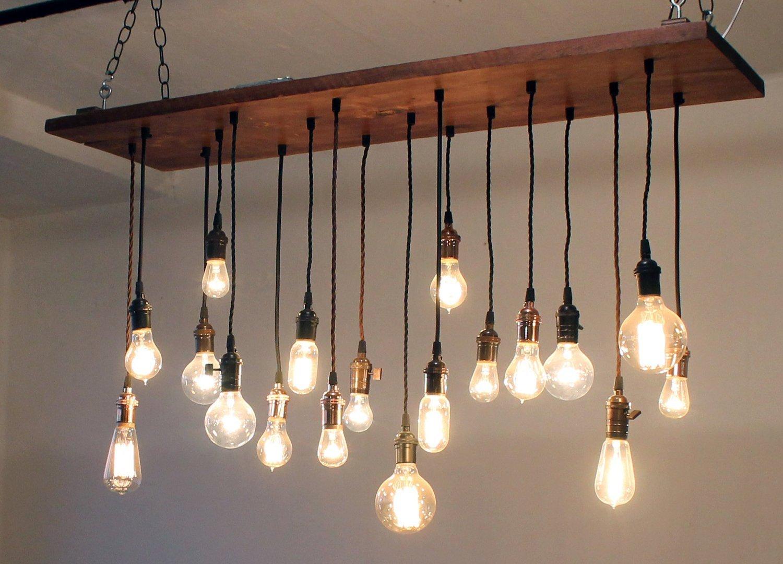 Деревянная люстра в стиле лофт со множеством лампочек