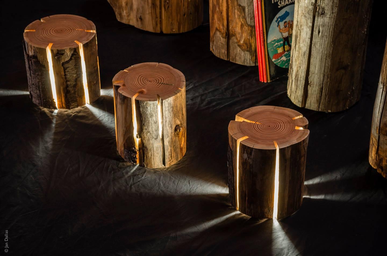 Необычные светильники из пней