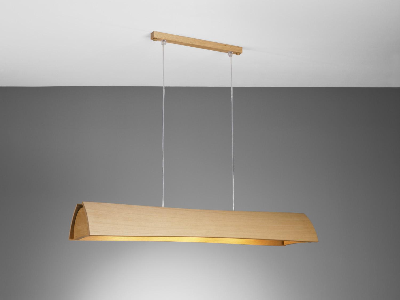 Длинная деревянная люстра