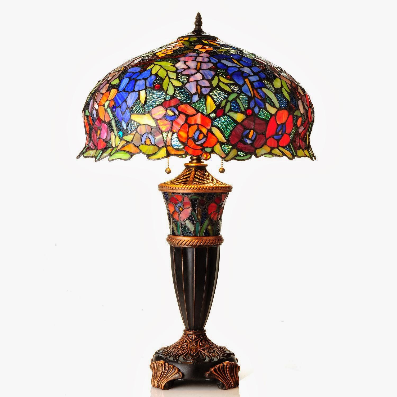 Яркая настольная лампа из металла и стекла