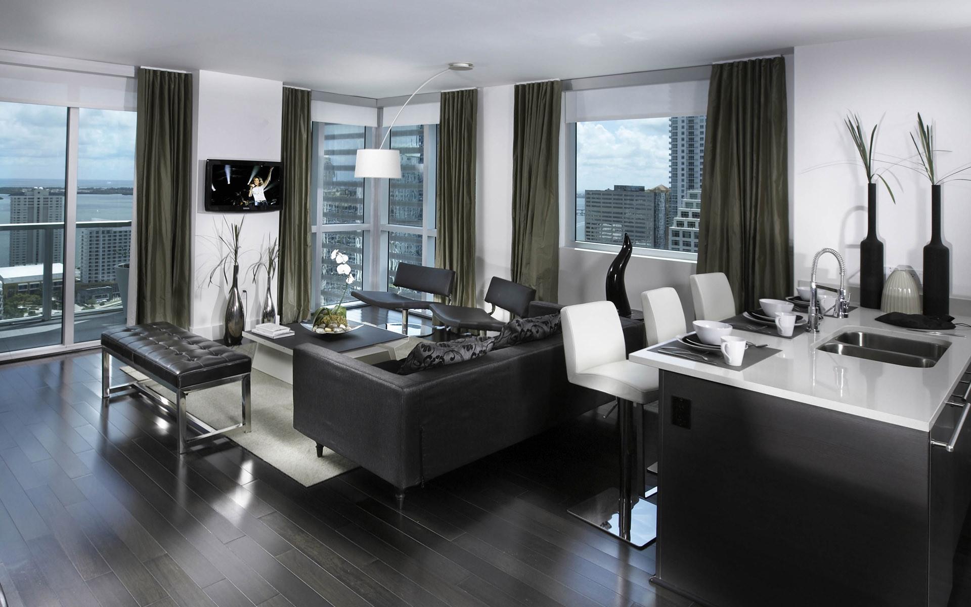 Потолочная лампа в стиле хай-тек в гостиной-кухне