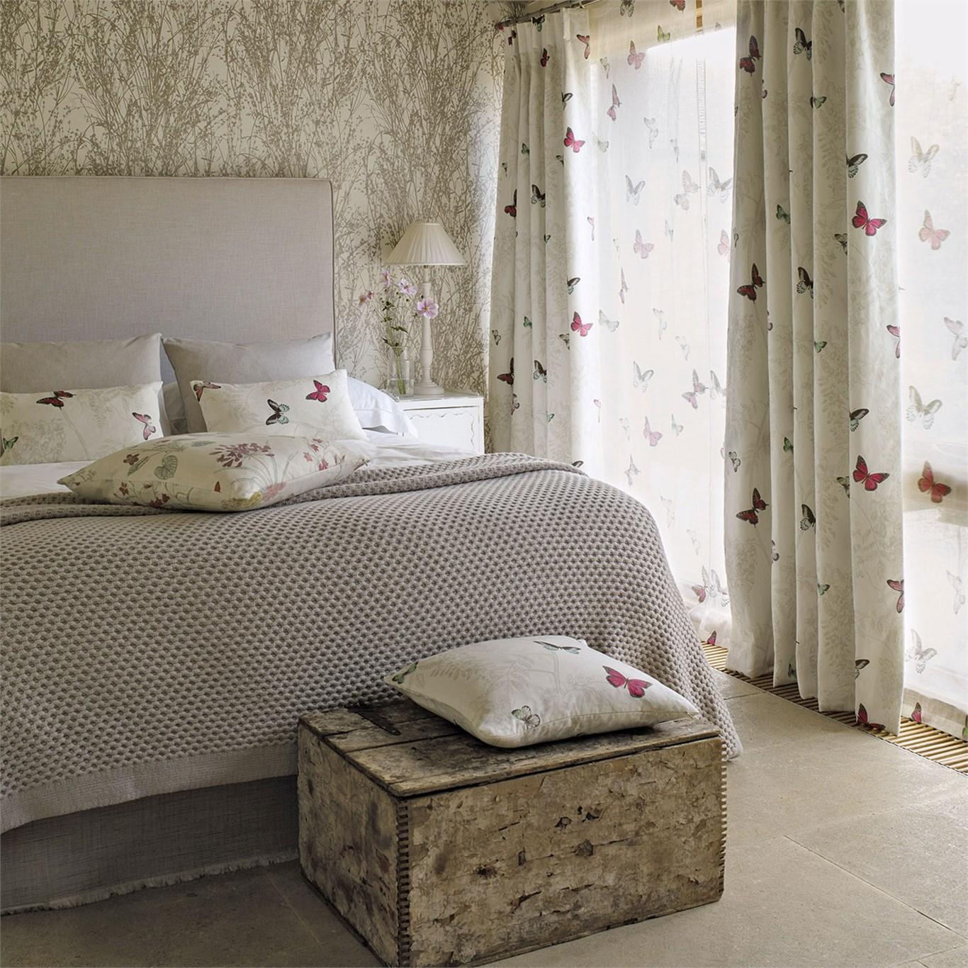 Текстиль с бабочками