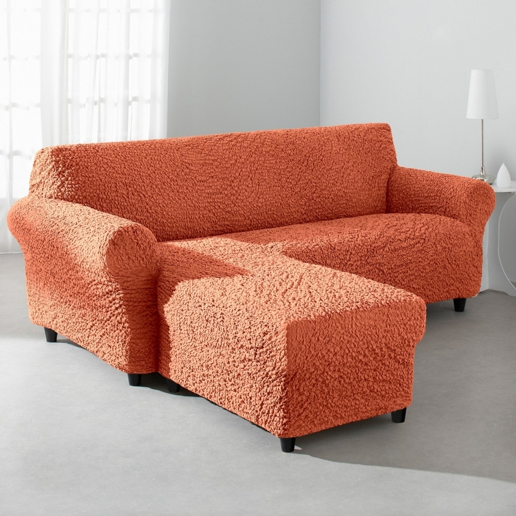 Оранжевый чехол на угловой диван
