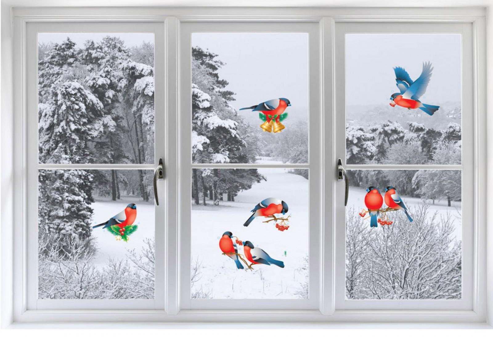 Наклейки птицы на окне на Новый год