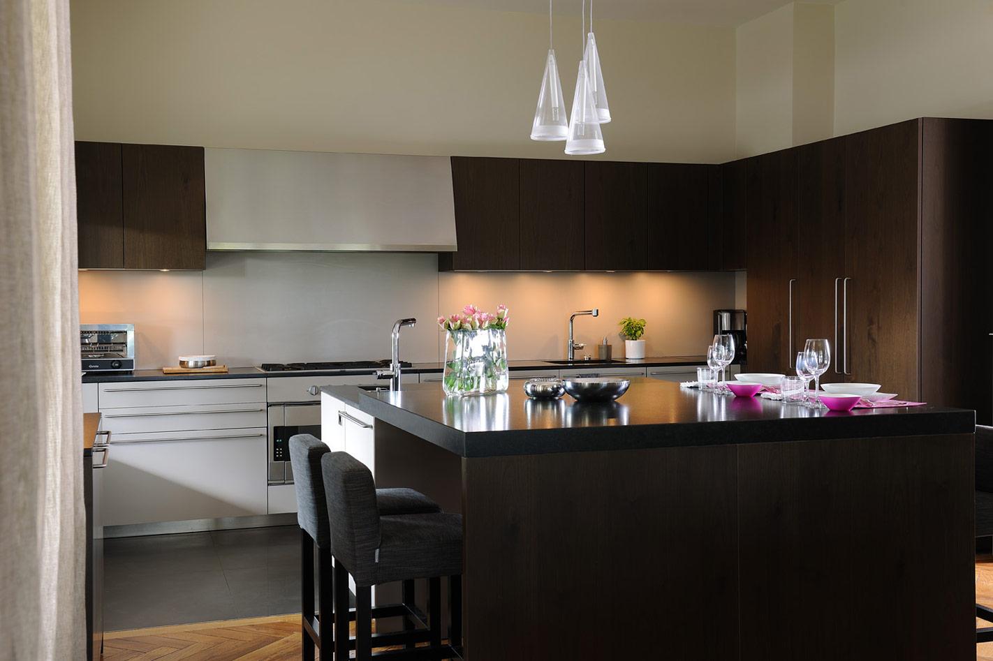 Кухня 14 кв. м венге