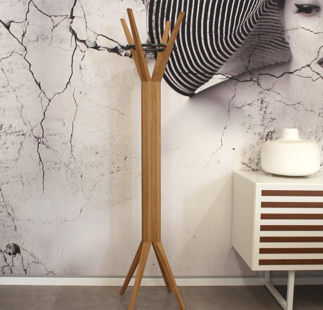 Дизайнерская вешалка-штатив из дерева и металла
