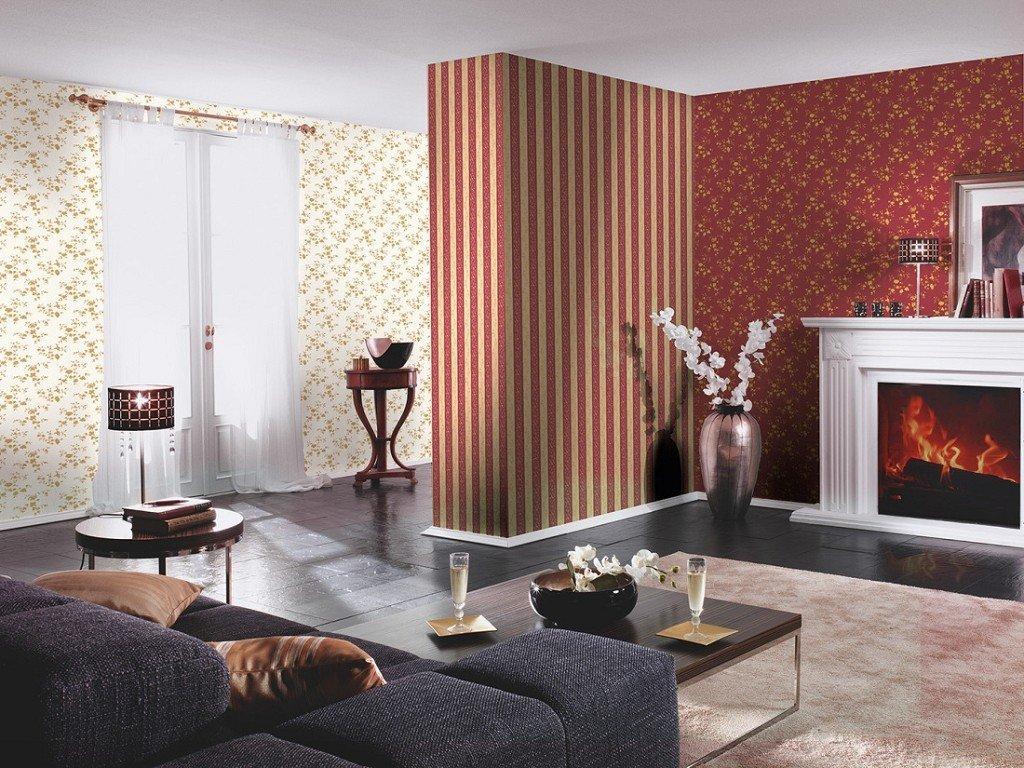 Красные и кремовые виниловые обои в гостиной