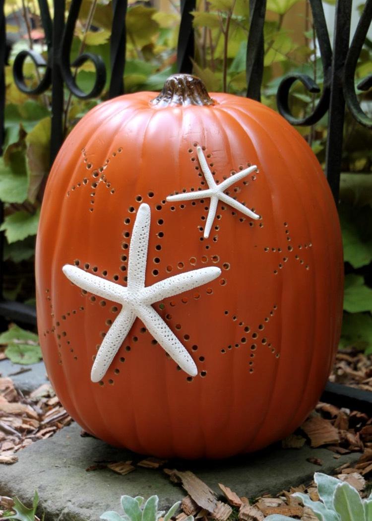 Тыквы на хэллоуин с декором в виде звезды