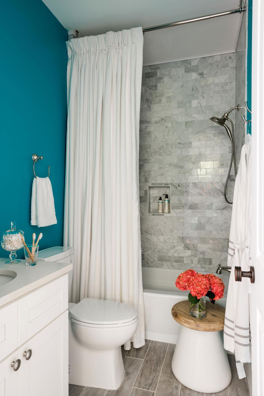 Покраска стен в ванной в бирюзовый цвет