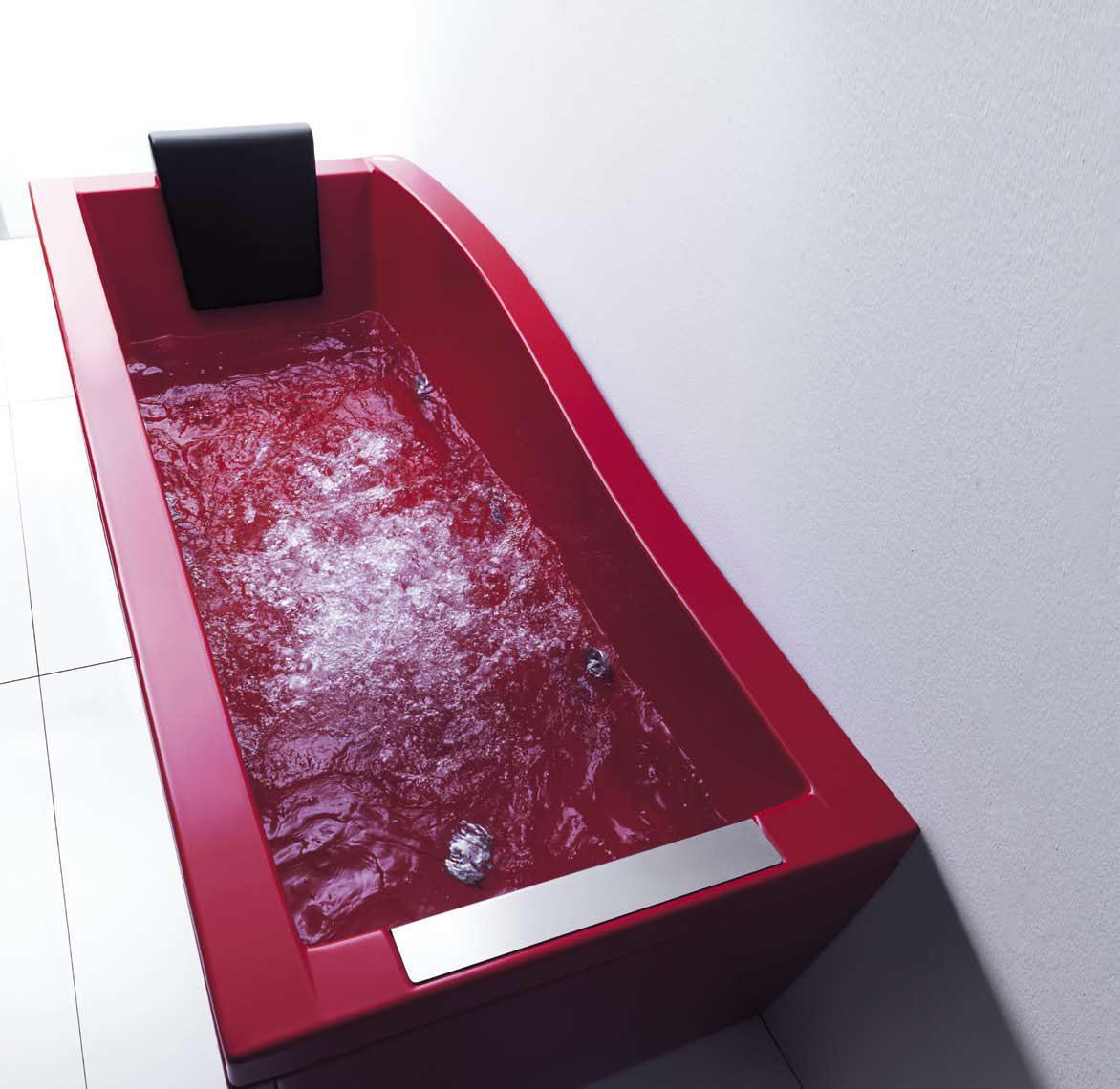 Красная ванна из литьевого мрамора