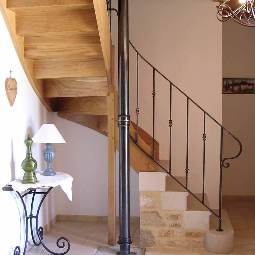 Перила для лестницы с декором