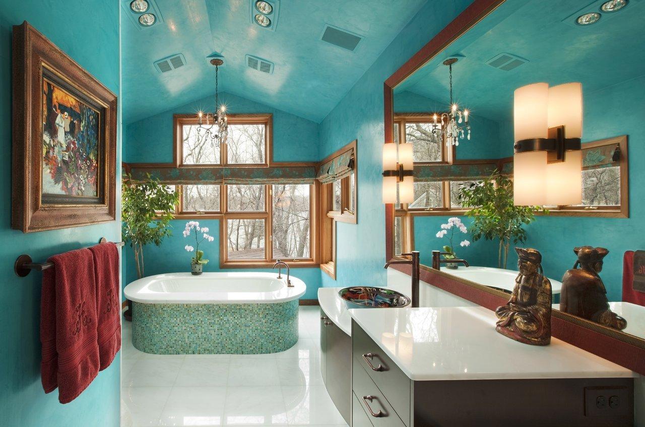 Бирюзовая декоративная штукатурка в ванной