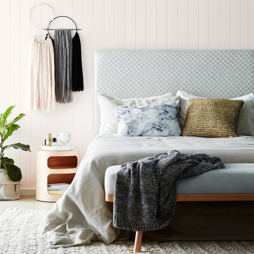 Дизайн кровати с мягким изголовьем