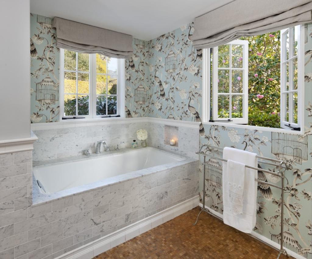 Пленка-самоклейка в дизайне ванной